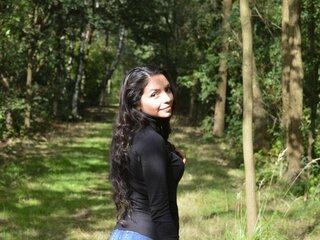 Pics shows jasmine AlexandritaBon